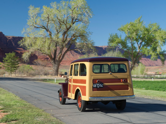 jeep-station-wagon2.jpg